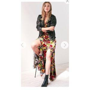 Ecote Urban Outfitters Lilyhandra Velvet Dress